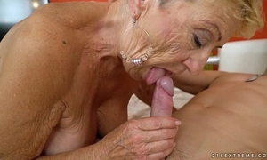 Old granny bonks the juvenile mechanic - lusty grandmas