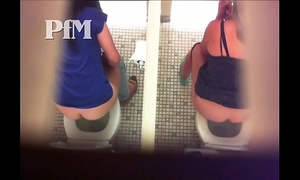 Peeing milf 25collection