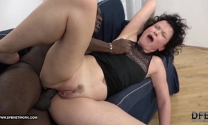 Mature squirts and goes avid when drilled by dark guy with his large schlong