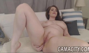 Chubby doing apropriate webcam show