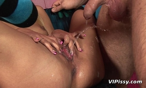 Submissive doxy drinking pee and piddled on during sex