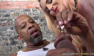 Harmoni kalifornia takes a large dark weenie in front of a cuckold