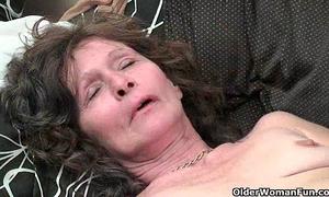 Saggy granny in nylons masturbates shaggy slit