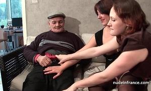 Ffm 2 french dark brown sharing an old stud penis of papy voyeur