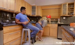 Sexy breasty plumber plumper kacey parker drains a bbc schlong