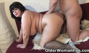Chubby older mamma needs warm cum