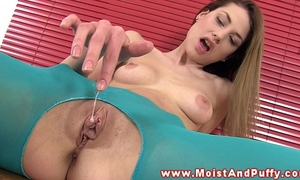 Pussyrubbing honey fingering her soaked aperture