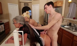 Mom and stepsis trio after brainwash - leilani lei fifi foxx