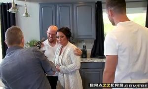 Brazzers - mamma got milk shakes - (ashton blake), (mike mancini) - pimp my mama