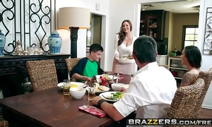 Brazzers - milfs like it large - kendras thanksgiving stuffing scene starring kendra longing and jordi el
