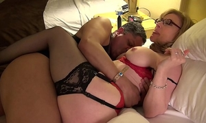 Nina hartley gives intimate worthy art of snatch take up with the tongue lesson at exxxotica